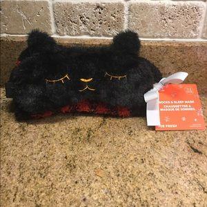 3/$20 - New Joe Fresh Girl's Eye Mask & Sock Set